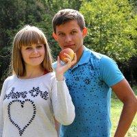 Яблочко хочешь? :: Лилия Масло