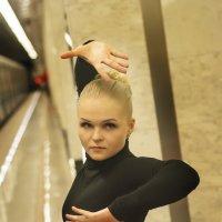 Underground :: Olga Podkopaeva