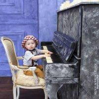 БУДУЩИЙ МУЗЫКАНТ!!! :: Ирина Марчукова