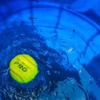 мяч в воде :: Света Кондрашова