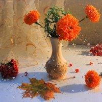Яркая осень, несмотря, что за окном идут  дожди :: Павлова Татьяна Павлова