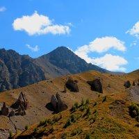 Таинственные Камни Джилы-Су. Гора Каракая (Скалистая), высота вершины 3350 м. :: Vladimir 070549