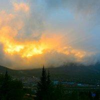 Пожар, похожий на закат :: Милешкин Владимир Алексеевич