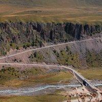 """""""Карниз""""- самый опасный и самый красивый участок дороги к Эльбрусу на Джилы-су. :: Vladimir 070549"""