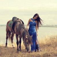 Прогулка с жеребцом :: Anton Shumaev