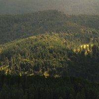 И луч дневной, горит в горах на рёбрах туч 7 :: Сергей Жуков