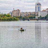 Одинокий рыболов :: Юрий Шапошник