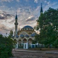 Утром у мечети Хан-Джами (Джума-Джами) :: Игорь Кузьмин