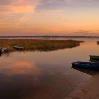 Вечерний пейзаж на озере :: Глеб Баринов