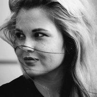 model Elina :: Jaki Tapping