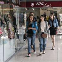 Мы идем за покупками! :: Алексей Патлах