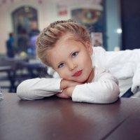 В кафе :: Светлана Миронова
