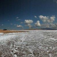 Планета двух солнц на озере Чокрак, которые освещают соль на его поверхности :: viton
