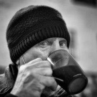 Утреннее кофе :: Юрий Фёдоров