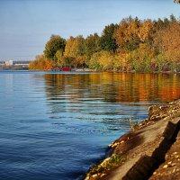 Ижевский пруд, сентябрь :: Вячеслав Ложкин