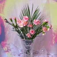 Розовые гвоздики в вазе и колокольчик :: Nina Yudicheva