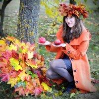 Осень на ладонях ... :: Марина Романова