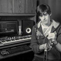 music man :: Pasha Zhidkov