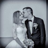 Жених и невеста в загсе :: Николай Ефремов