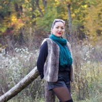 Прогулка по осеннему лесу :: Анна