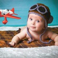Первым делом, первым делом самолеты... ну а девушки?, а девушки потом! :: Галина Данильчева