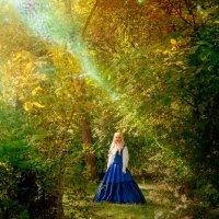 девушка в лесу :: Ростислав Уханов