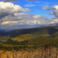 Осенний день в горах Приэльбрусья :: Vladimir 070549