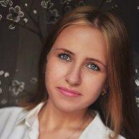 Юля :: Алёна Тарханова