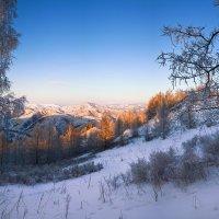 На горы зимние, взор Ваш, пусть неутомимым будет 5 :: Сергей Жуков