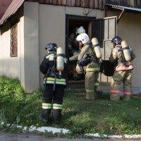 Выход из задымленного здания :: Юлия Уткина