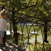 Прогулка в парке :: Наташа Федорова
