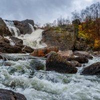 Водопад на реке Юринге :: Владимир Колесников