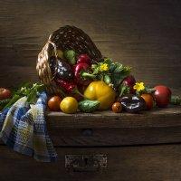 Овощи на салат. :: Людмила Костюченко