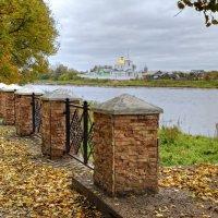 Вид на Спасо-Казанский Симанский монастырь :: Константин
