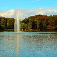 Озеро , фонтан :: Alexander Andronik