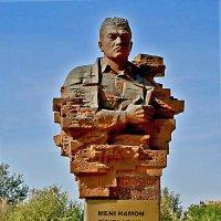 Памятник Абдулле Кадыри :: Светлана