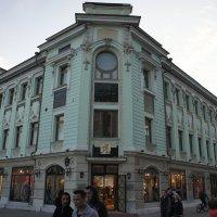 Это доходный дом Е.Г. Воронкова, постройки конца XIX века (ул. Баумана, д. 52). :: Елена Павлова (Смолова)
