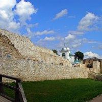 Крепостные стены и Никольская церковь :: Людмила Алексеева