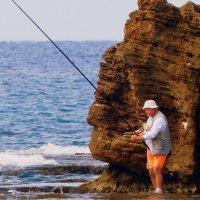 Ловисб рыбка... :: Пётр Беркун