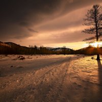 На горы зимние, взор Ваш, пусть неутомимым будет 19 :: Сергей Жуков