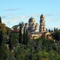 Вид на Новоафонский монастырь :: Елена Павлова (Смолова)