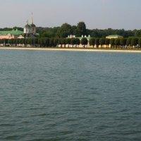 озеро в парке Кусково :: Ольга Заметалова