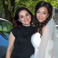 Невеста с сестрой :: Радий Тен