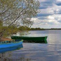Лодки у берега. :: Новиков Игорь