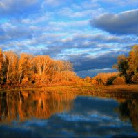 Ты какого цвета, осень ? Цвета грусти - неба просинь ... :: Евгений Юрков
