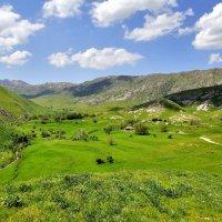 Долина в Зеравшанских горах близ Самарканда :: Денис Кораблёв