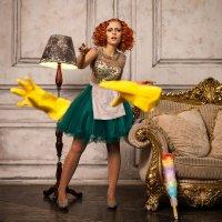 Seductive Lady's maid :: Александр Чуприна
