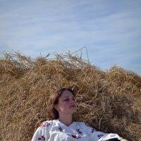 В поле :: Юлия Шишаева