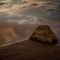 камень в облаках :: Vasiliy V. Rechevskiy