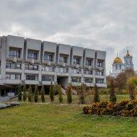 Библиотека :: Юрий Гребенюк